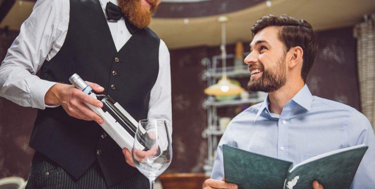 servire vino ristorante