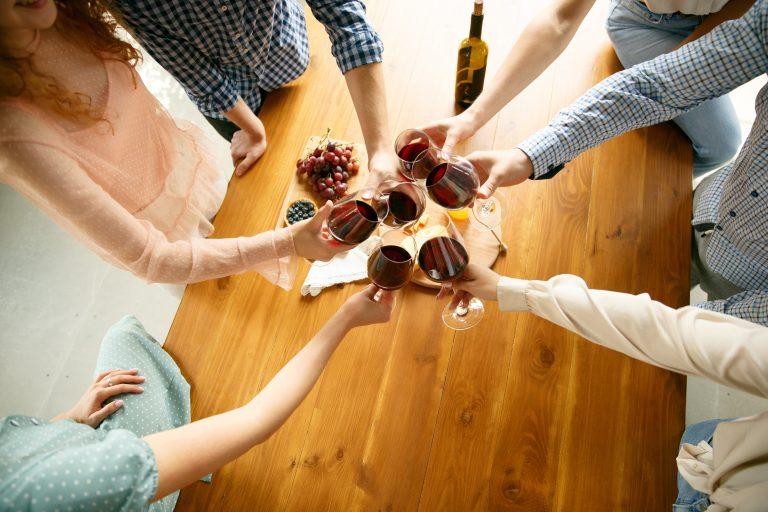 degustare un vino a casa